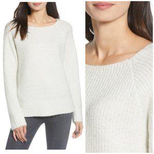 NWT Women's Chelsea 28 White Acrylic Sweater XL